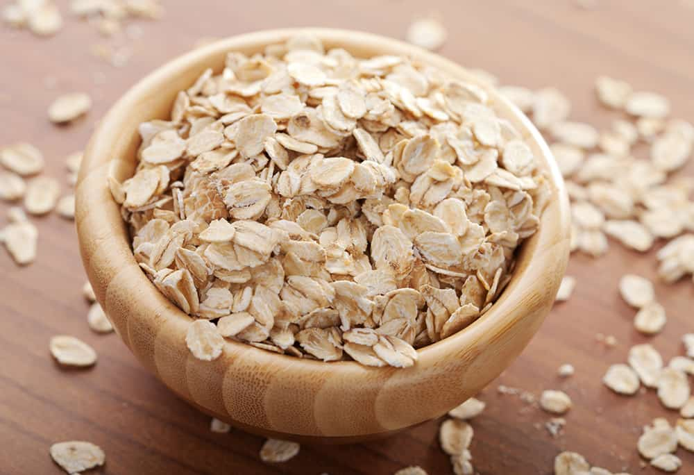 Wondering how to make an oatmeal face mask? It's easy!
