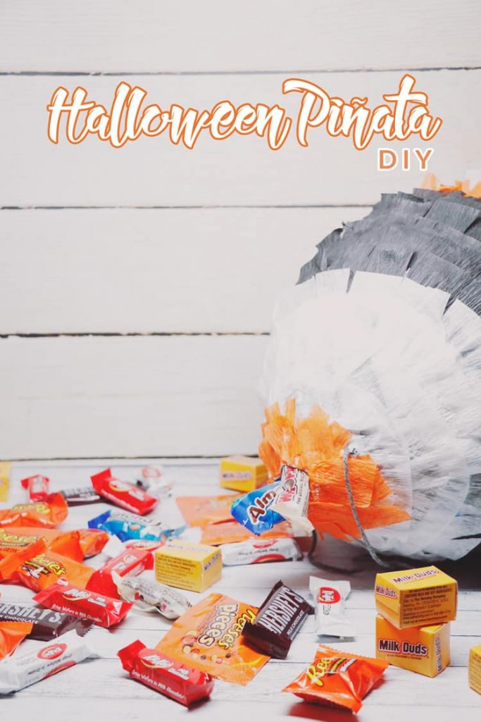 Get ready for your next Halloween party with this easy to make Halloween Piñata DIY! Fill it with your favorite candy and have fun with the whole family!