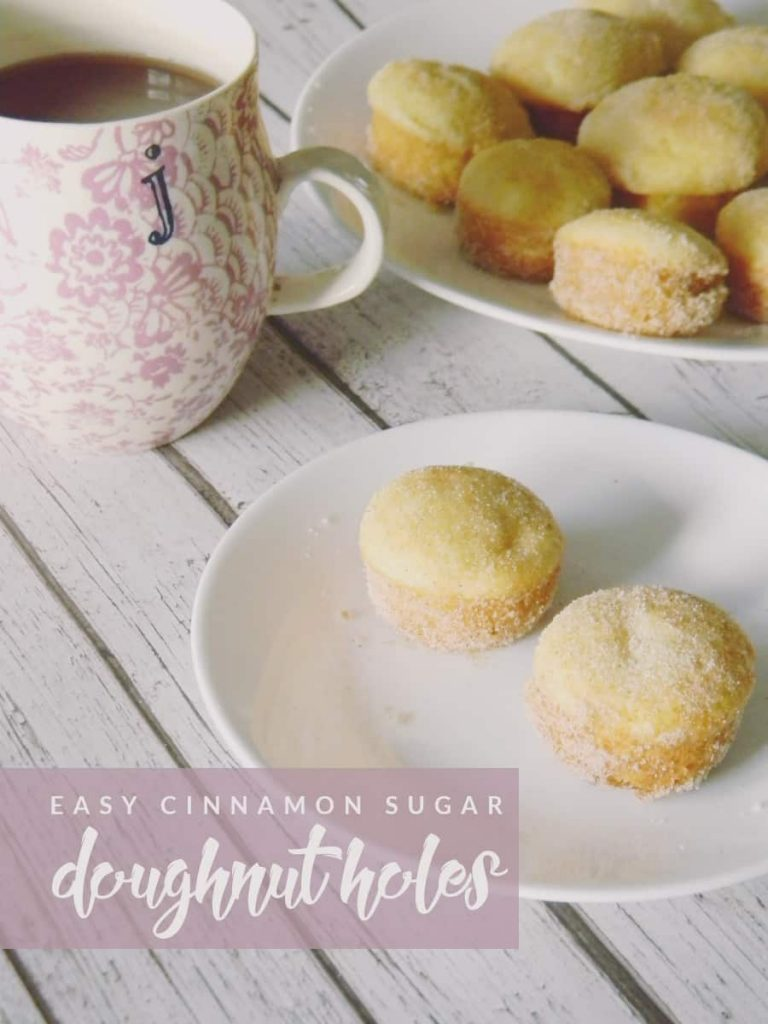 Make breakfast even more delicious with these easy cinnamon sugar doughnut holes! Your stomach will thank you.