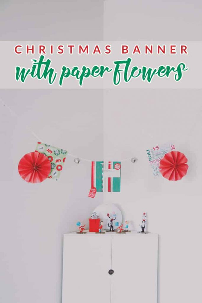 Simple-Christmas-Banner-with-Paper-Flowers