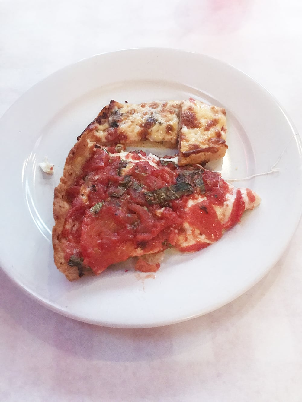 Looking for a great option to treat yo self or someone else to an amazing experience? Give the gift of Tinggly and make someone's day! And then be sure to check out this Chicago Pizza Tour because it was ahhhmazing! #Chicago #VisitChicago #ChicagoPizza