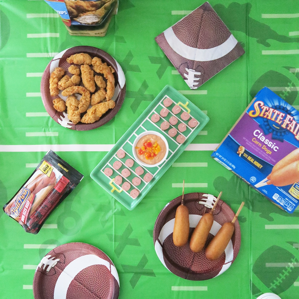In need of some game day inspiration? These easy game day snack ideas will fill your belly with deliciousness! Plus, this zesty fry sauce recipe will be a touchdown for the whole family, kids included!