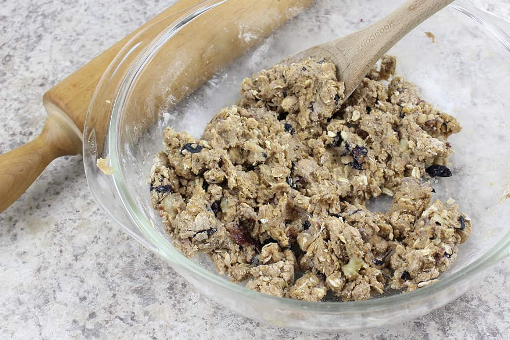 • This six-ingredient recipe combines oats, banana, peanut butter, and more to make an easy homemade dog treat for your furry friend.