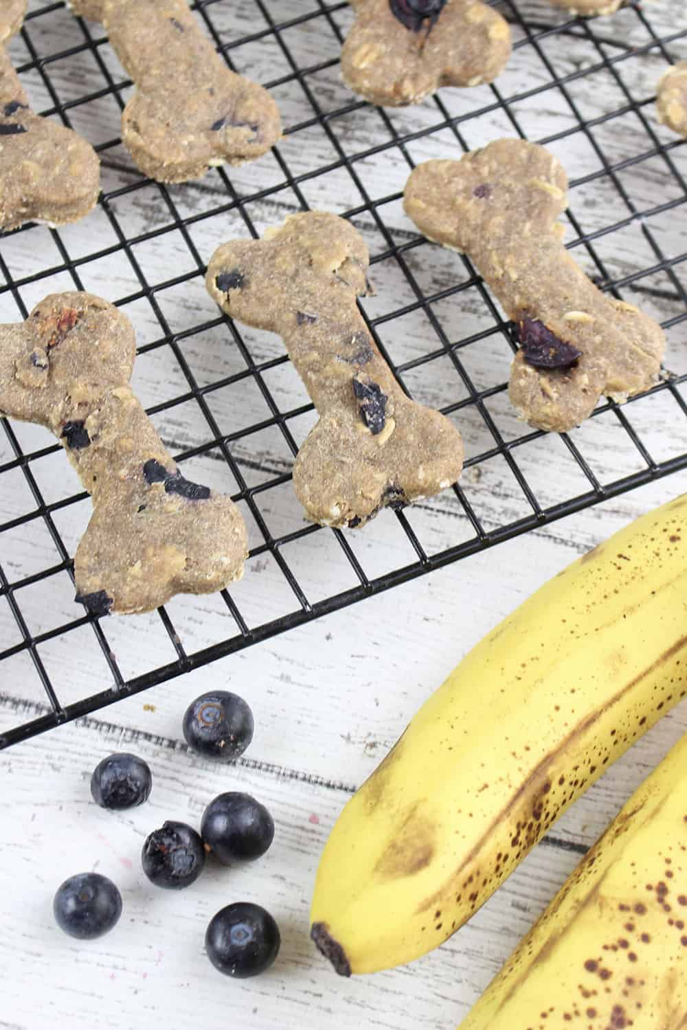 • These Peanut Butter Banana Dog Treats are super easy dog treats that you can make at home!