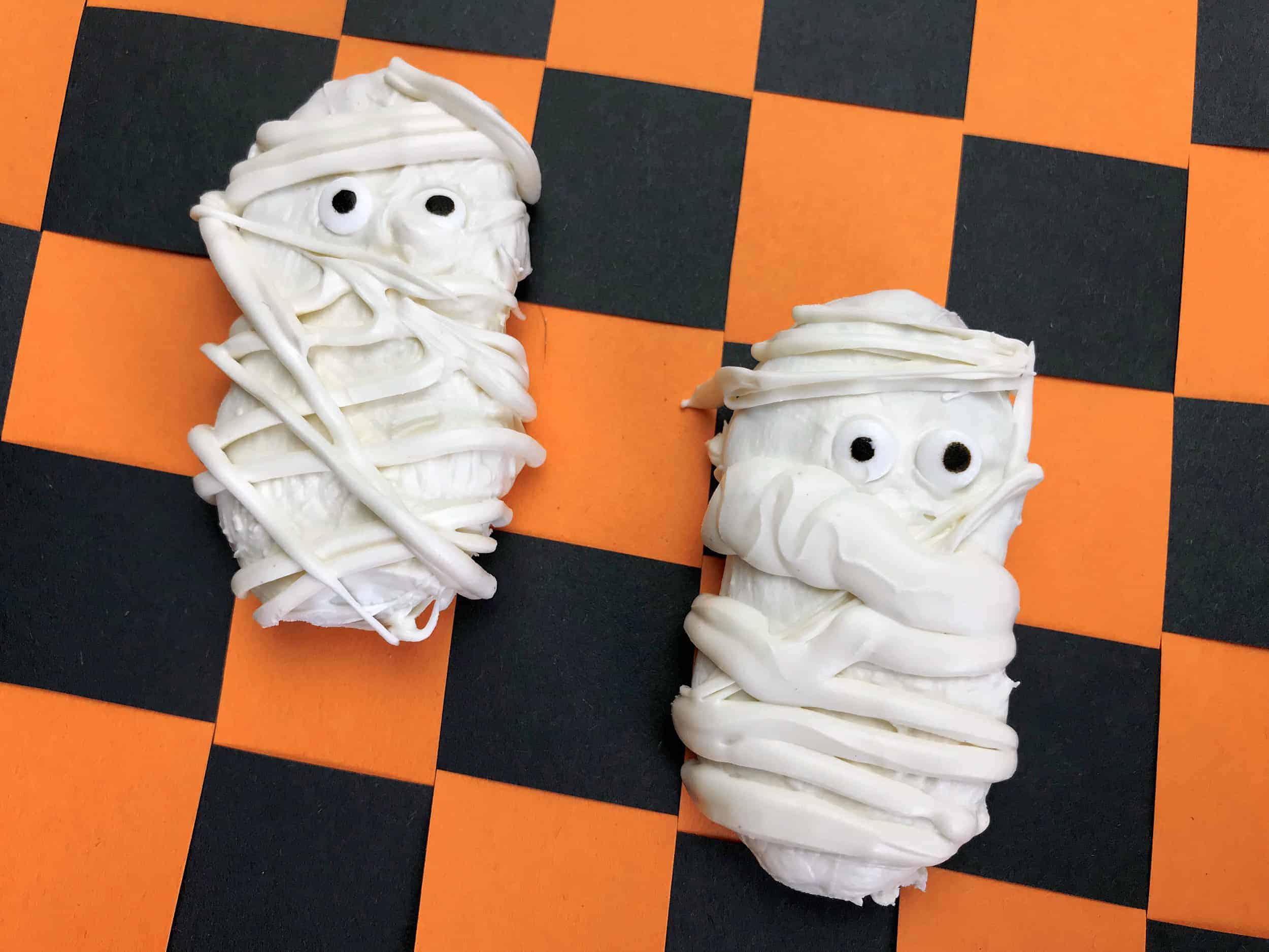 These Nutter Butter Cookie Mummies will be a huge hit for Halloween!