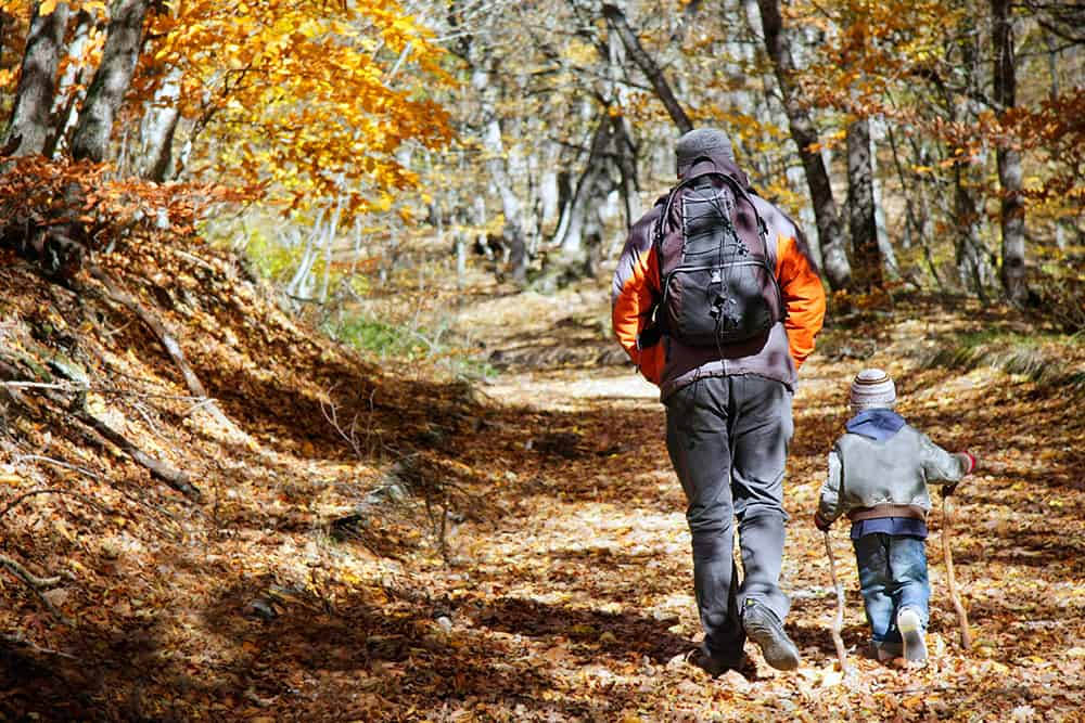 Benefits of hiking outdoors with your kids