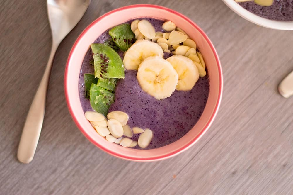 blueberry smoothie bowl with bananas